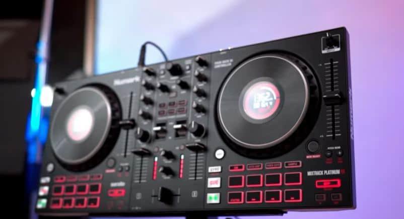 Numark Mixtrack Platinum FX Black Friday